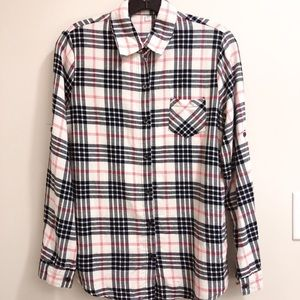Tops - Classic checkered button down shirt